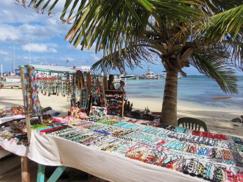 Jewelry table beach San Pedro